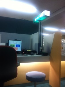 りそな銀行のTV窓口ブース